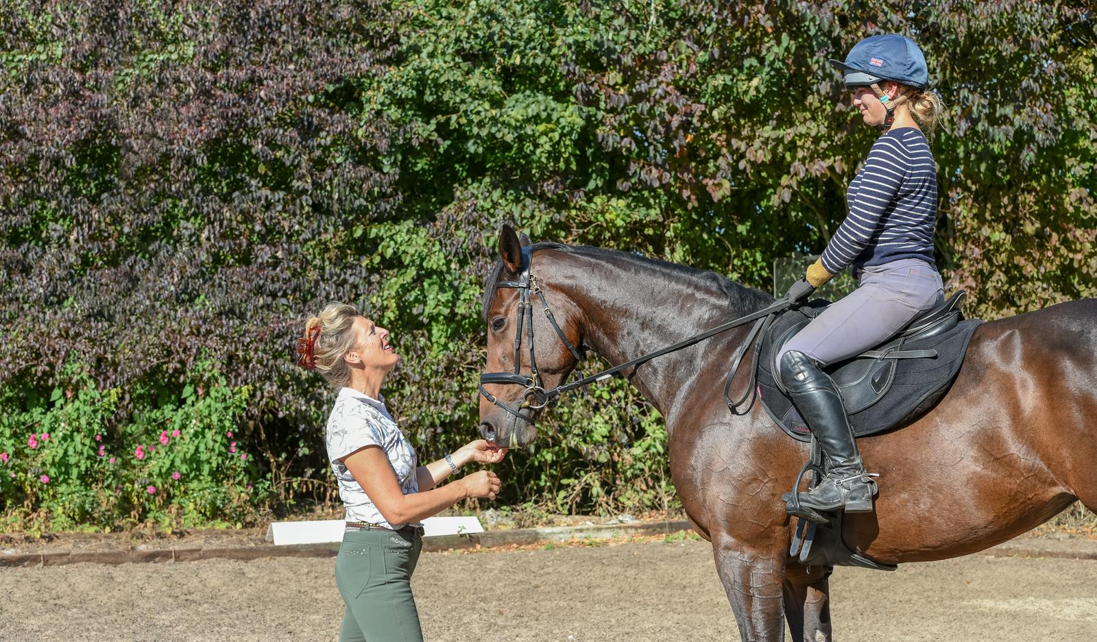 Marie Ryan coaching Phoebe Nicholson.Photo credit: Sally Newcomb